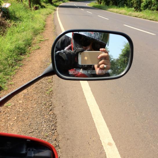 Mirrored Selfie!